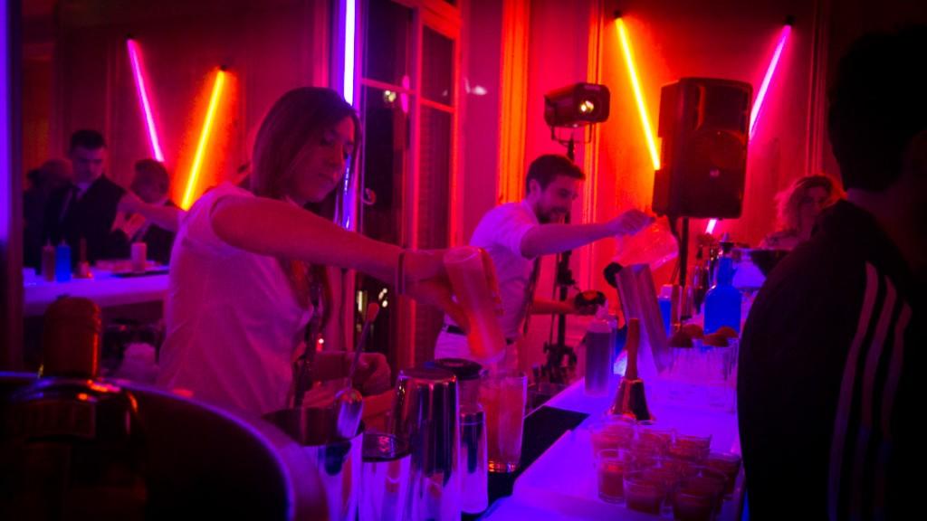 bar-barman-cocktail-soiree